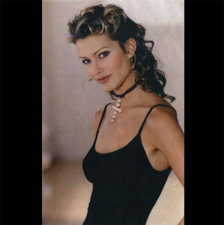 Paula Patrice model: modes et travaux inside page